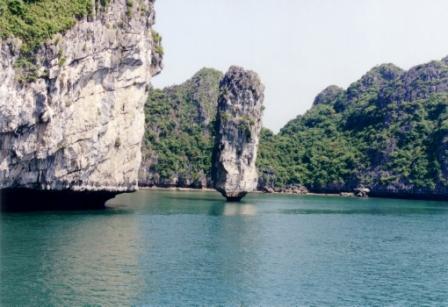 ha-long-bay-limestone