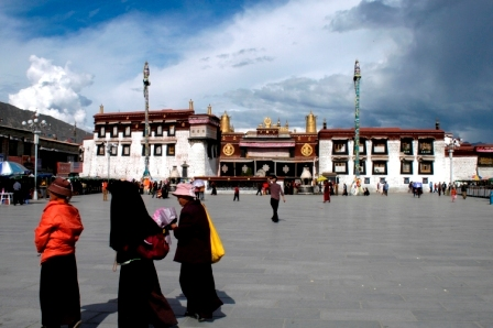 Main square at Lhasa, where the Jokhang kora starts