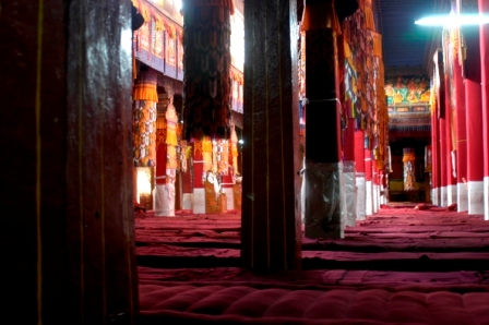 "Assembly hall where monks meet for morning and evening ""pujas"" (prayers)"