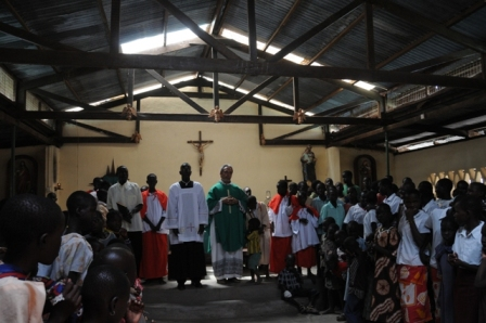 Mass with Fr Fernando in Lokitonyala